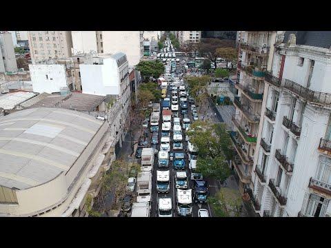 Video: Cientos de vehículos marcharon por el Día de la Lealtad