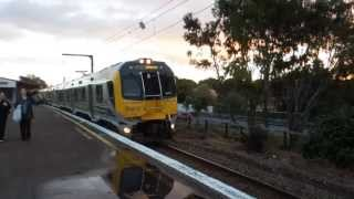 preview picture of video 'Tranz Metro FP/FT class EMU Matangi'