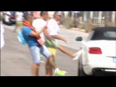 Madridistas intentan patear el automóvil de Gareth Bale