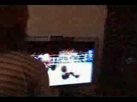Dog Beats Man at Wii Boxing