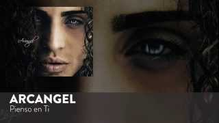 Pienso En Ti (Audio) - Arcangel (Video)