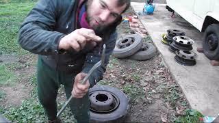 Reifen demontieren, von einfacher Stahlfelge, mit einfachen Mitteln  - KarlKotze baut ein Reisemobil