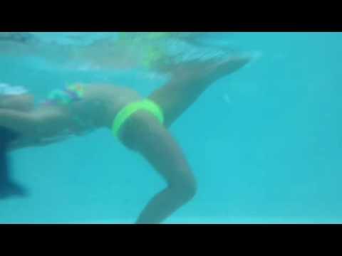 Ginástica na piscina