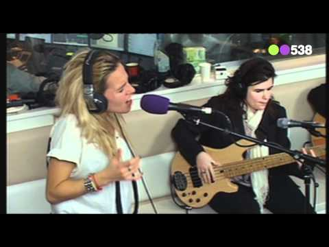 Radio 538: Krystl - Let It Be (Live bij Evers Staat Op)