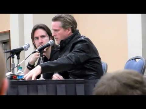 Carey Elwes on the origination of torture devices in Saw movie