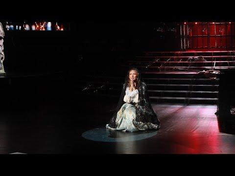 Один в один! Анжелика Агурбаш. Алиса Фрейндлих - «Песня королевы Анны (Молитва)»