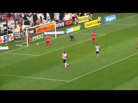 Luciano faz o segundo do Corinthians contra o Mogi Mirim