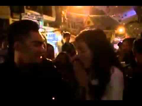 Bà Tưng chống cự quyết liệt khi bị cưỡng hôn giữa phố Tây!!!!