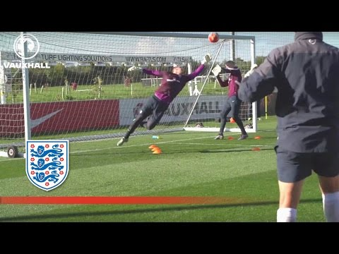 Agility practice with England's goalkeepers (Extended) | Inside training