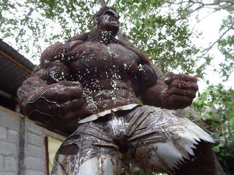 Удивительные скульптуры, созданные из металлического  мусора