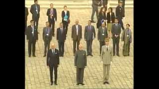 preview picture of video 'PM Modi's ceremonial welcome in Paris, France'