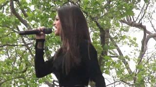 Selena Gomez & The Scene - Who Says (Costa Mesa, CA - 26/03/11)