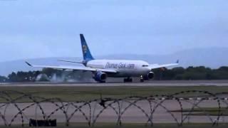 Смотреть онлайн У самолета взорвался двигатель