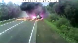 Лучшие аварии снятые на авторегистратор автовладельцами 2012