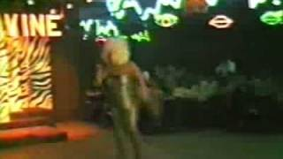 Divine in Concert - Walk Like A Man live at 1470 West