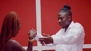 Kojo Antwi   Akyekyedie Nantie Ft. Stonebwoy (Official Video)