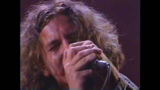 "Pearl Jam - ""Animal"" & ""Rockin' in the Free World"" (with Neil Young) [Live]"