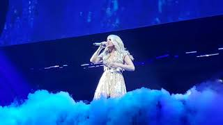 """Carrie Underwood """" Something In The Water"""" Cry Pretty Tour Vancouver 2019"""