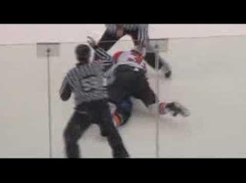 Rob Davison vs. Riley Cote