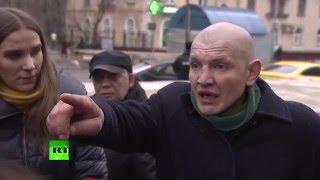 Очевидцы рассказали о женщине, угрожавшей взорвать себя у станции метро «Октябрьское поле»