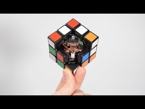 A Rubik's Cube That Solves Itself