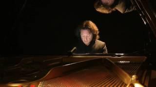 Robert Schumann: Davidsbündlertänze Op.6 - XIV, Zart und singend. Adriano Paolini piano.