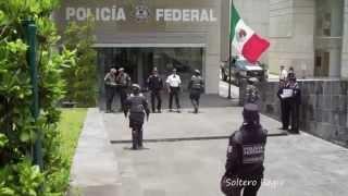 Señor Presidente - Gloria Trevi (Video)