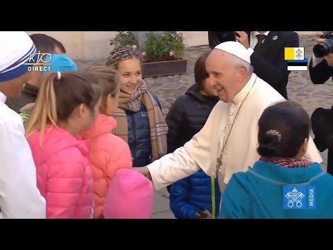 Rencontre des personnes assistées par les oeuvres de charité de l'Eglise