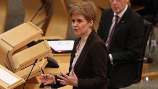 video: Nicola Sturgeon shuts thousands of pubs and restaurants in 'death sentence' Central Belt lockdown