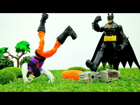 Spielzeugvideo für Kinder - Batman und Superman - Joker raubt einen Laster