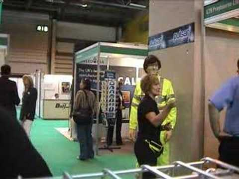 mannequin-man performming as a Living Mannequin: Mannequin man the human statue, performing as a show dummy on the stand of Praybourne Limited at the Safety and Health Expo 2008 at the NEC for Praybourne on 13/05/2008
