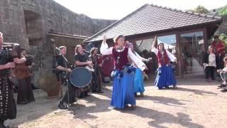 preview picture of video 'Landeckfest Burg Landeck ältestes mittelalterliches Burgfest der Pfalz Abrissclip 2 2014'
