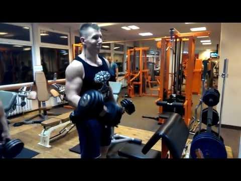 Jak rozwijać mięśnie ramion