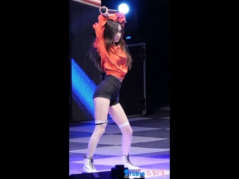 170517 블랙핑크 로제 직캠 - 불장난 BLACKPINK Rose fancam - PLAYING WITH FIRE (성결대 축제) by Spinel | MTW
