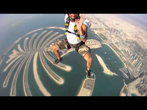 2011 Sky Diving in Dubai [A Must Watch]