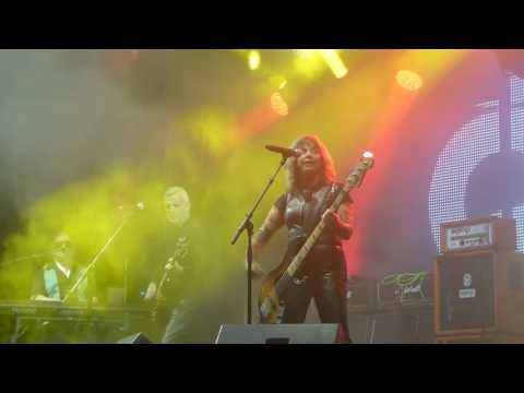 Suzi Quatro - Can the can [ CH Aarburg Riverside Festival 4 - 9 - 2016 ]