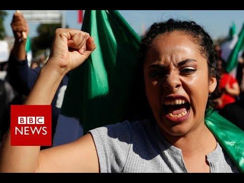 Migrant caravan: Angry protests in Mexico's Tijuana - BBC News