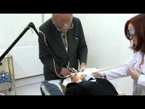 Paglilinis ng mukha sa tulong ng isang kosmetiko aparato
