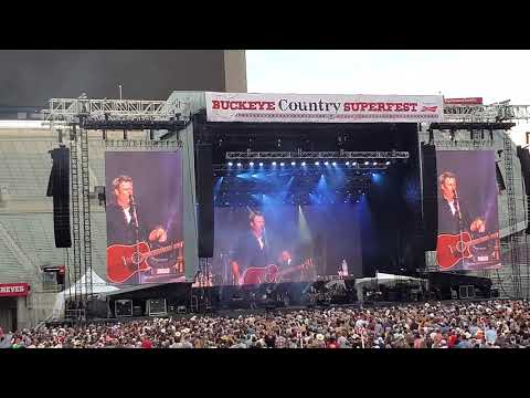 """God's Country"" Live Blake Shelton Buckeye Country Superfest 2019"