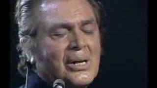 "engelbert sings ""Love is a many splendored thing"""