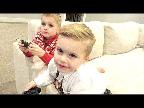 Jackson teaches Cooper to Play Nintendo