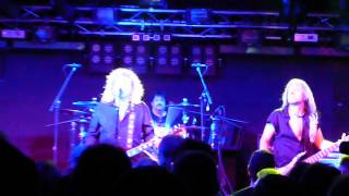 Y&T LIVE!!! in Chicago Rocking Rescue Me