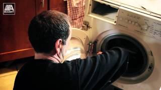 preview picture of video 'Siemens Washing Machine Repair - Worn Carbon Brushes - Beckenham - Kent'