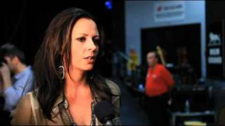 ACM Girls' Night Out Backstage Interview- Sara Evans