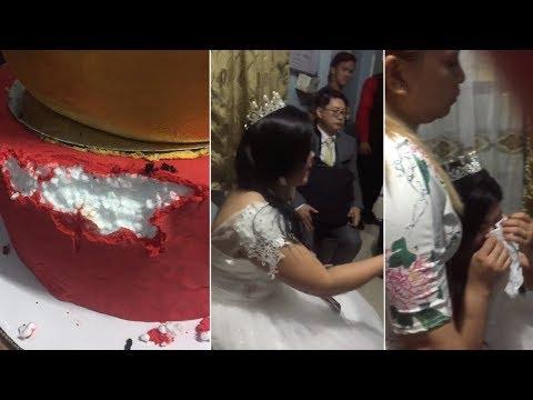 Estafados en el día de su boda con pastel de unicel