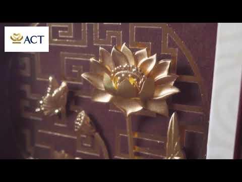 Tranh hoa sen mạ vàng 24k nền lụa (25x32cm)