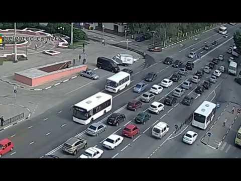 В Белгороде автобус сбил инспектора ГИБДД