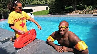 MY DAD'S SWIMMING LESSONS!!