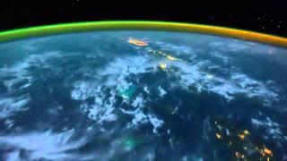 la-tierra-la-aurora-boreal-vista-desde-el-espacio-fotografias-de-la-nasa