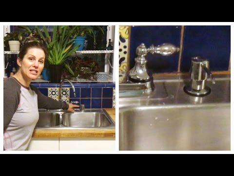Atajo para la cocina: Cómo instalar un dispensador de jabón en el fregadero!